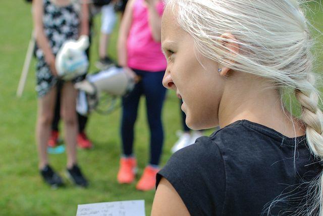 Bianca är tävlingsledare. Tillsammans med kompisen Amanda startade de SM för käpphästar.