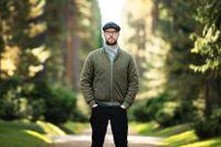 """Författaren och journalisten Sven Olov Karlsson (född 1971 i Norberg) har senast givit ut boken """"Brandvakten."""" Nu är han tillbaka med tolv noveller."""