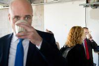 Partiledarduell mellan statsminister Fredrik Reinfeldt (M) och Socialdemokraternas partiledare Stefan Löfven (S) i Sveriges Radios P1 på fredagen.
