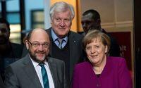 Tyska socialdemokraterna (SPD) med Martin Schultz i spetsen och förbundskansler Angela Merkel, kristdemokraterna (CDU), har enats. Bakom: Horst Seehofer, ordförande i Kristligt sociala unionen (CSU).