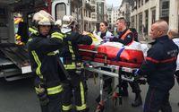 Beväpnade gärningsmän har stormat in på den franska satirtidningen Charlie Hebdos redaktion i centrala Paris.