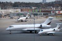Regeringen vill stänga Bromma flygplats och tillsätter en utredning för hur flygplatsen ska avvecklas.