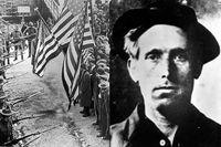 Svenske Joe Hill blev  agitator för fackföreningen IWW, Industrial Workers of the World. Han avrättades 1915, dömd för mord. IWW var organisationen bakom en av de största arbetskonflikterna i USA:s historia, textilarbetarstrejken 1912 i Lawrence i Massachusetts. Bilden visar hur milis med bajonetter monterade omringar en fredlig demonstration i Lawrence.