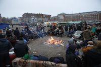 På måndagen vakade aktivister och EU-migranter fortfarande på tomten på Industrivägen i Malmö.