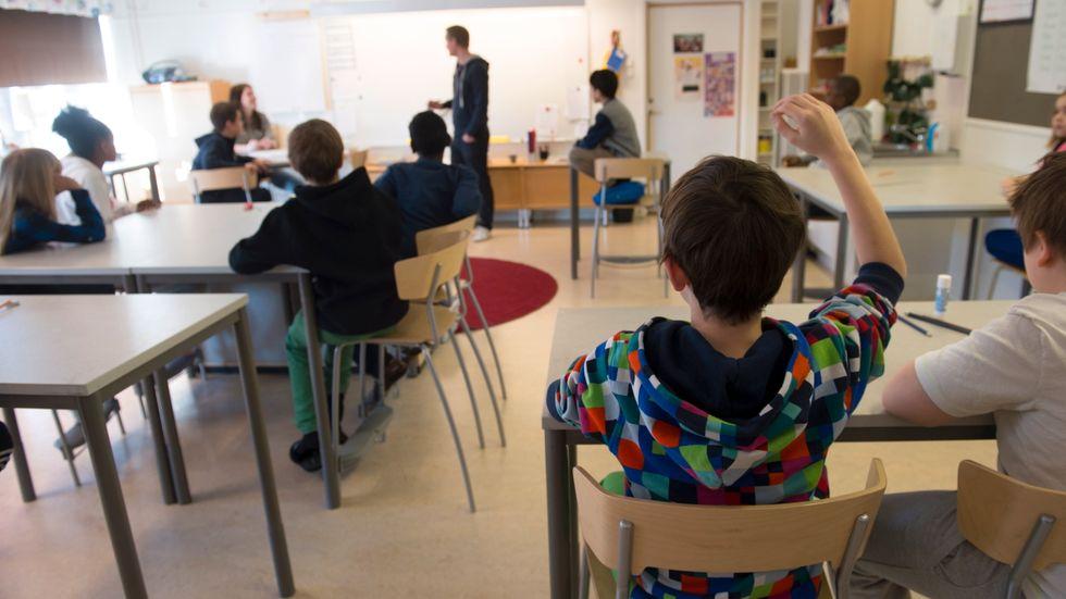 Skolor verkar inte vara drivande i pandemin och risken för grundskolebarn att bli svårt sjuka i covid-19 är mycket liten. Arkivbild.