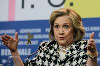 Hillary Clinton uppmanar EU att engagera sig för den svenske bokförläggaren Gui Minhais öde.