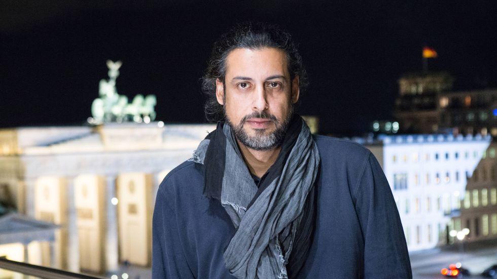 """""""Jag har alltid velat till Sverige, men boken var snabbare än jag. Fast i höst kommer jag till bokmässan i Göteborg"""", säger författaren Abbas Khider som när han flydde från Irak blev stoppad i Malmö och skickad tillbaka till Tyskland."""