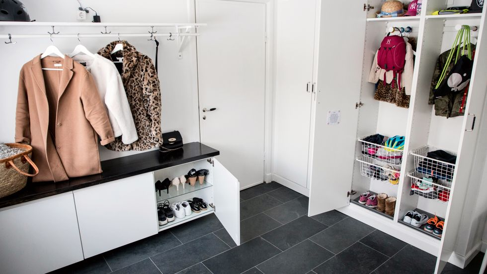 Med lite planering går det att få struktur på hemmets alla kläder och prylar.
