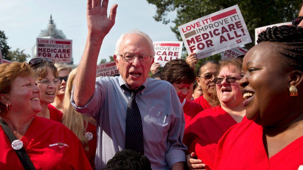 Bernie Sanders hyllar ett illa fungerande förflutet