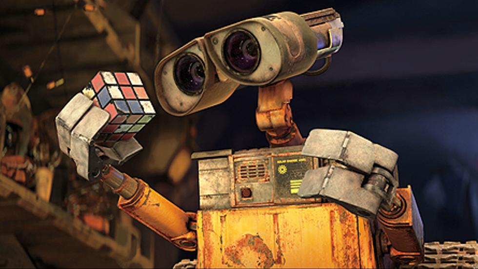 Skräprotarroboten Wall E vill inte ringa hem, som ET, men söker ockås kärlek och gemenskap.