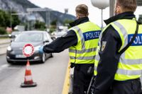 Tyskland skärper gränskontrollerna när smittsiffrorna stiger.