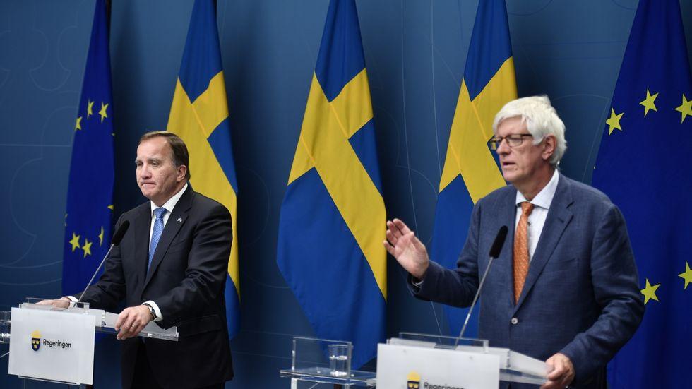 Statsminister Stefan Löfven och Folkhälsomyndighetens generaldirektör Johan Carlson under torsdagens presskonferens.