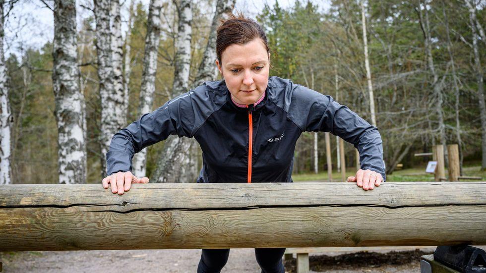 Therese Rahnel, 37, tränar på utegym i Norrköping.