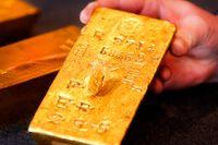 Guld är guld värt, tycker centralbanker runt om i världen. Denna gamla tacka ingår i den tyska guldreserven i Frankfurt. Arkivbild.