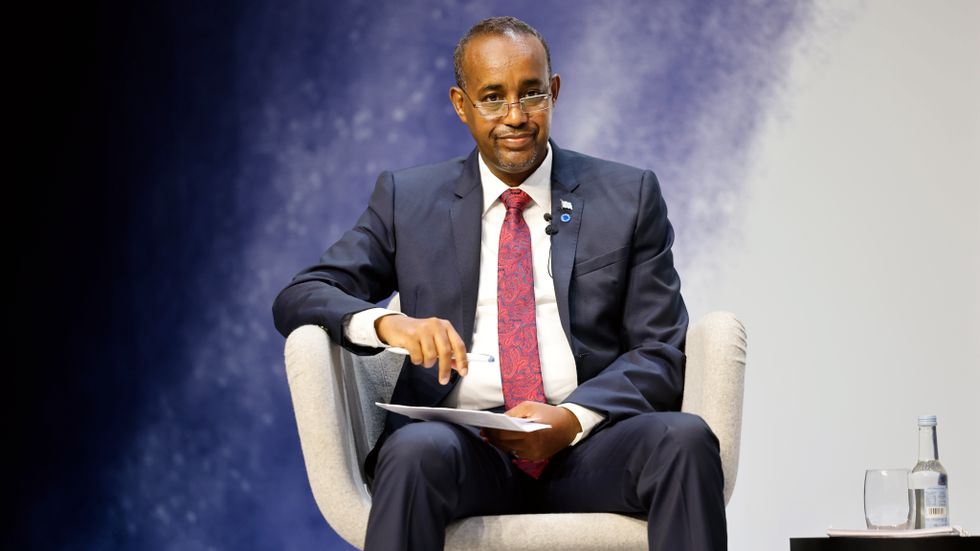 Somalias premiärminister Mohamed Hussein Roble fråntas flera befogenheter. Arkivbild.