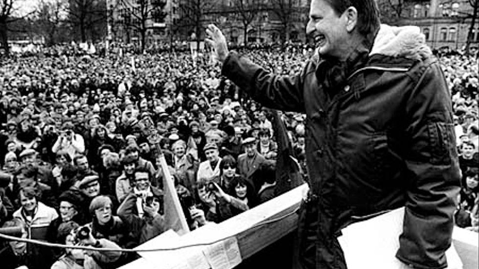 Olof Palme förstamajtalar på Norra Bantorget 1979.