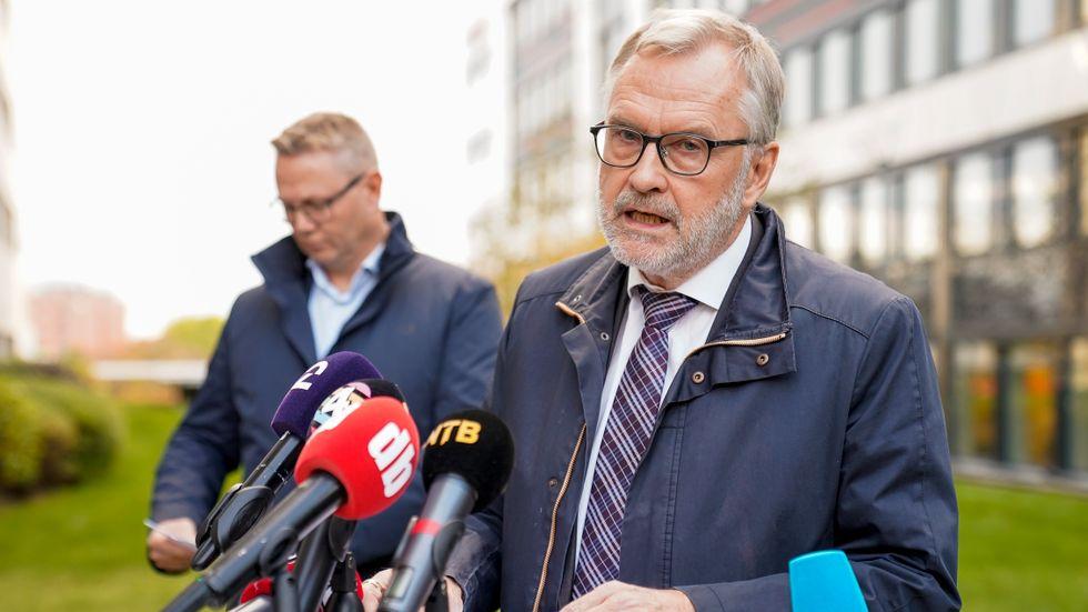 PST-chefen Hans Sverre Sjøvold under en pressträff.