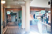Kry driver både digital vård och fysiska vårdcentraler i Region Stockholm, som den här i Gallerian på Hamngatan.