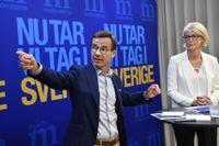 Moderaternas partiledare Ulf Kristersson och ekonomisk-politiska talesperson Elisabeth Svantesson (M) håller pressträff om nya integrationspolitiska förslag.