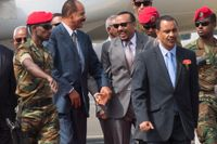 Som gamla vänner. Eritreas president Isaias Afewerki, t v, välkomnades av den etiopiske premiärministern Abiy Ahmed på Addis Abebas flygplats den 14 juli.