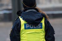 """""""Vi måste ta tag i situationen med svensk polis om vi överhuvudtaget ska ha någon polis kvar"""", säger en utredare till SvD. (Polisen på bilden har inget med artikeln att göra.)"""