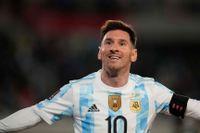Messi firar det nya rekordet.