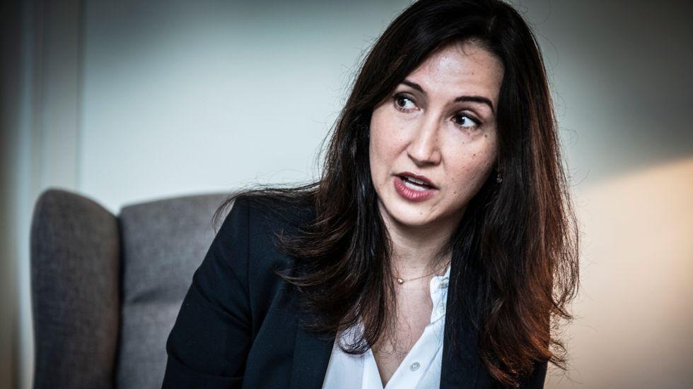 Oppositionsregionråd Aida Hadzialic (S) är skarpt kritisk mot hur sjukvården i Stockholm sköts.