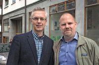 Stadsarkivets Mats Hayen och SvD:s Johan Lindberg på Pipersgatan.