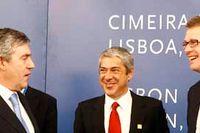 EU-fördraget i Lissabon. Från vänster: Fredrik Reinfeldt, Englands premiärminister Gordron Brown, Portugals premiärminister José Socrates, Finlands premiärminister Matti Vanhanen och Tjeckiens premiärminister Mirek Topolanek.
