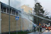 Västertorpsskolans gymnasiesal stacks i brand lördagen 4 april.