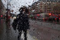 Hela landet kommer att drabbas av regn under söndagen. Arkivbild.