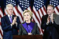 Hillary Clinton erkänner sig besegrad i valet 2016.