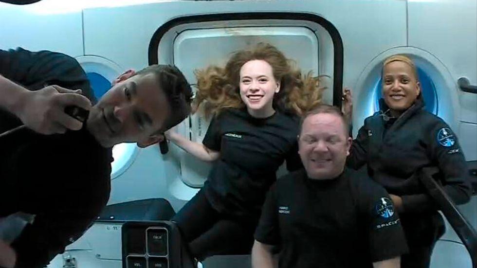 Jared Isaacman, Hayley Arceneaux, Chris Sembroski och Sian Proctor svävar fritt i rymden. Nu har kvartetten landat på jorden.