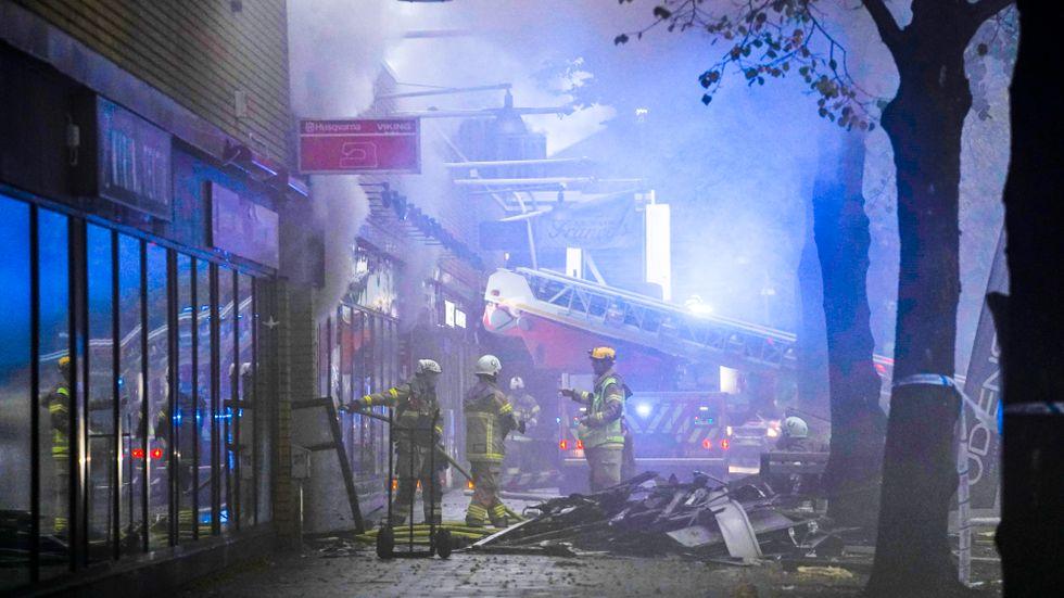 En stor explosion har inträffat vid ett flerfamiljshus i Annedal i centrala Göteborg.