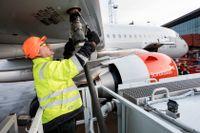 Det är inget problem att flyga med biobränsle i tanken. SAS och mängder av andra flygbolag har provat. Problemet är kostnaden och den dåliga tillgången på biobränsle.
