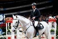 Rolf-Göran Bengtsson, femma i omhoppningen på hästen Cassilano Jmen.
