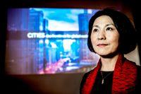 Urbaniseringsforskaren Xuemei Bai under Sverigebesöket.