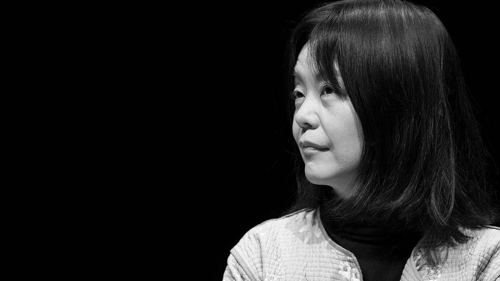 Yoko Tawada, född1960iTokyo,Japan,är bosatt i Berlin och skriver både på japanska och tyska.