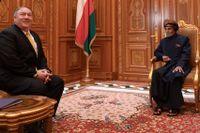 USA:s utrikesminister Mike Pompeo och Omans sultan Qabus ibn Said vid ett möte i Oman i mitten av januari. Arkivbild.