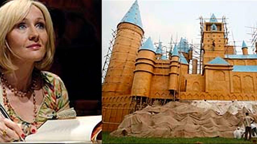 J K Rowling och kopian av filmens Potter-slott