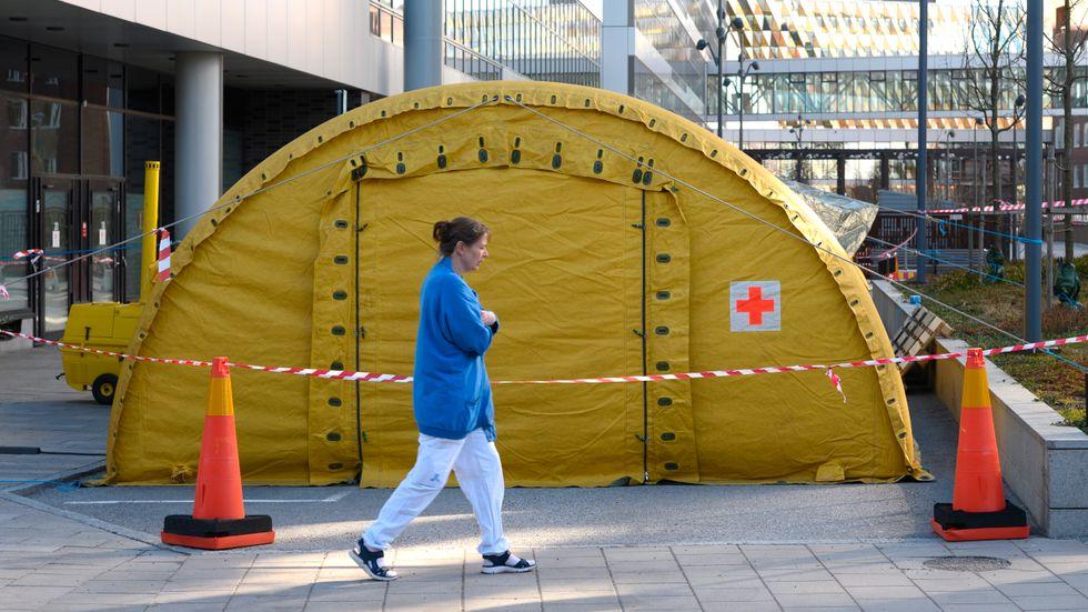 Bättre tillgång till vårddata skulle ha hjälpt forskare och läkare under den pågående pandemin, skriver debattörerna.