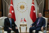 Ett avtal om tillfälligt eldupphör slöts efter att USA:s vice president Mike Pence och Turkiets president Recep Tayyip Erdogan mötts i Ankara.