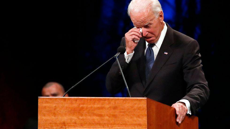 Förre vicepresidenten Joe Biden under sitt tal till John McCain.
