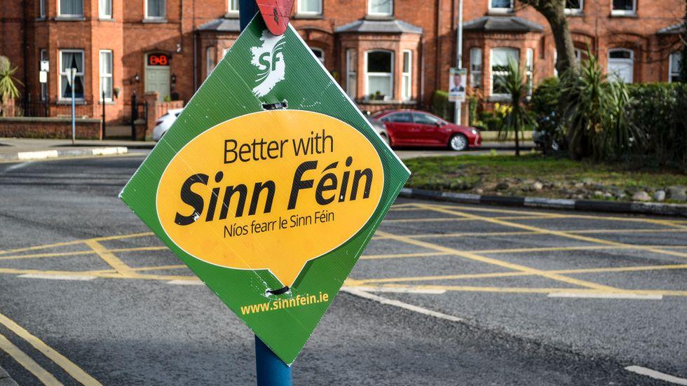 Valaffisch för det vänsternationalistiska partiet Sinn Féin som hade stor framgång i det irländska valet.