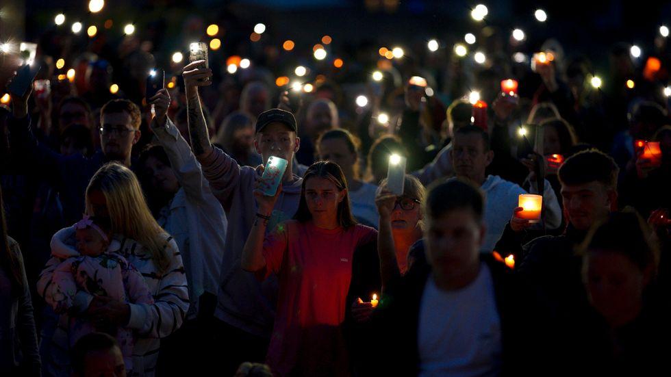 Manifestation i fredags till minne för de dödade i Plymouth och mot vapenvåld.