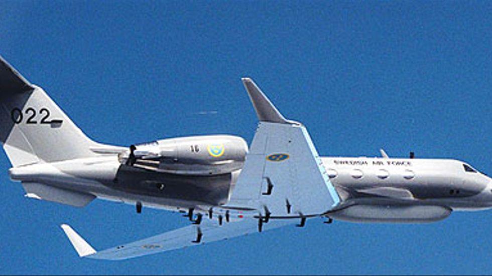 Svenska FRA disponerar två signalspaningsflyg av typen Gulfstream IV (S102B).