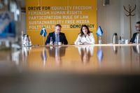 Inrikesminister Mikael Damberg och utrikesminister Ann Linde i möte om att utse en ambassadör mot organiserad brottslighet, Sveriges nya exportprodukt.