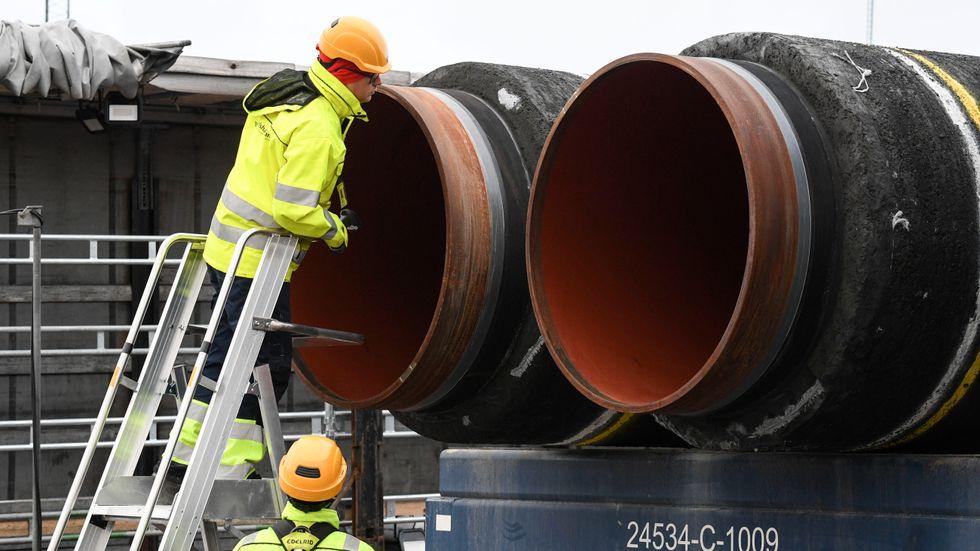 Nord Stream 2-rör kontrolleras i Karlshamn. Arkivbild.