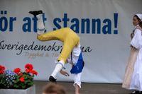Sverigedemokratisk folkdans i Almedalen.