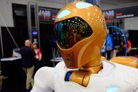 NASA:s Robonaut 2 (R2)  är utrustad med över 350 sensorer, och drivs av 38 power PC processorer.